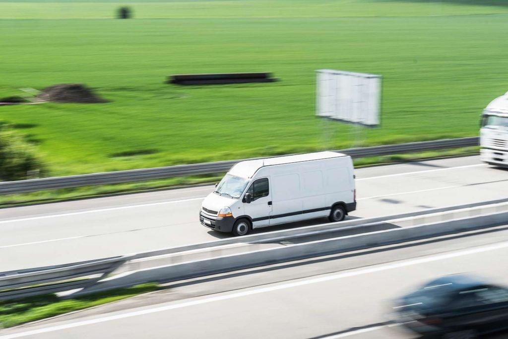 camion-trasporto-autostrada